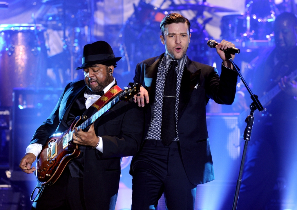 JT working the stage at The El Rey Theatre