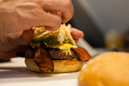 hypebeast-eats-i-s-b-international-stussy-burger-00