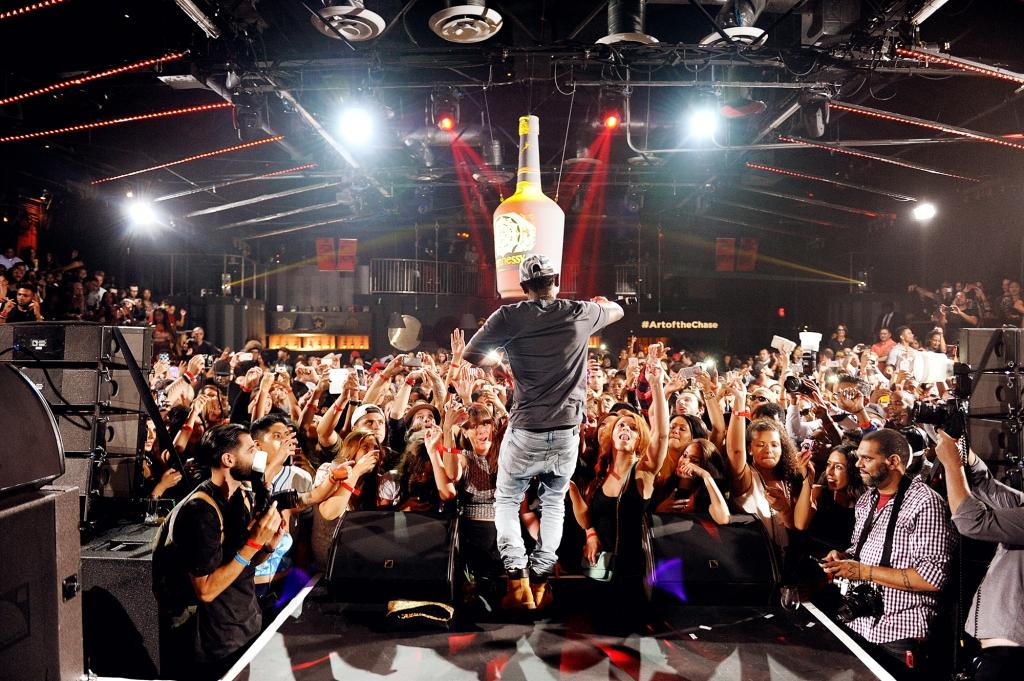 Kendrick Lamar Performing 2