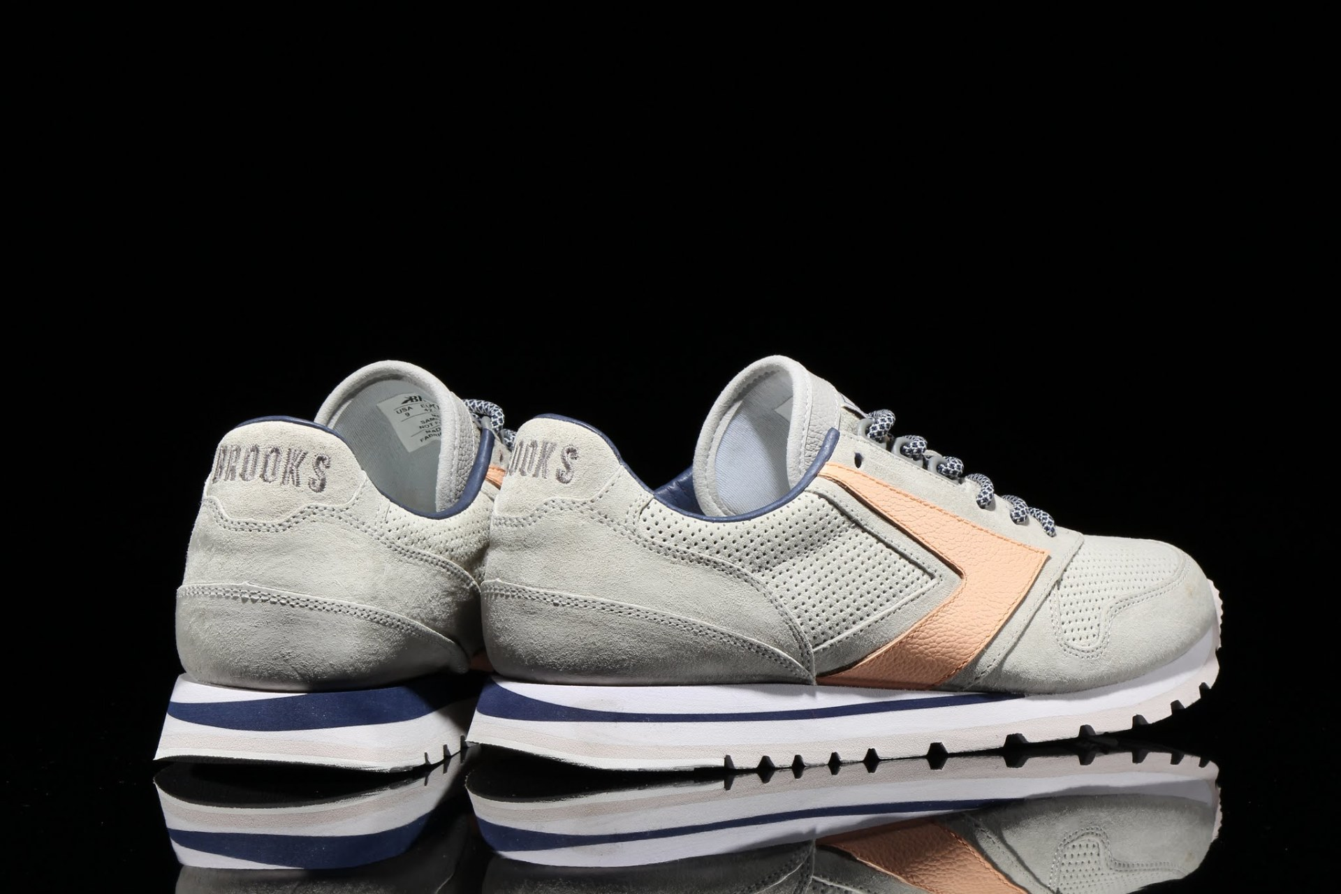 """Brooks Heritage x Atmos """"Pacific"""" Chariot"""