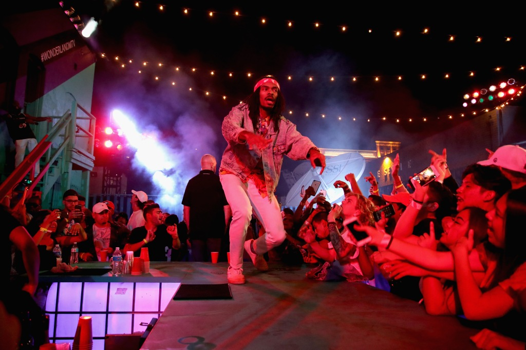 "LOS ANGELES, CA - NOVEMBER 10: Erick Arc Elliott of Flatbush Zombies performs onstage at MTV's ""Wonderland"" LIVE Show on November 10, 2016 in Los Angeles, California. (Photo by Randy Shropshire/Getty Images for MTV) *** Local Caption *** Erick Arc Elliott"