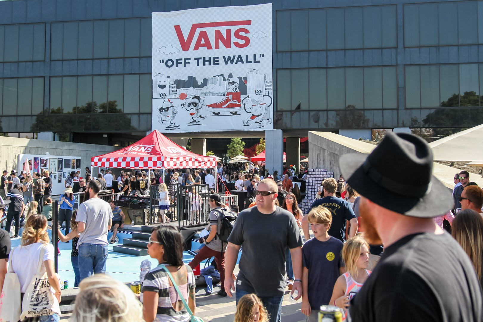 Event Recap  VANS Homecoming Party – THE 5TH ELEMENT MAGAZINE 10e97c45e