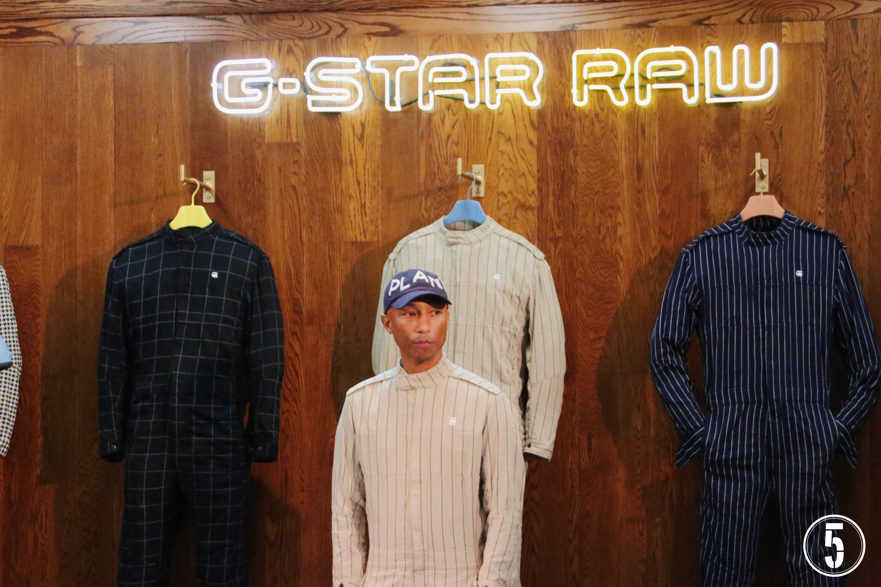 complexcon 2017 pharrell williams debuts g star raw booth the 5th element magazine. Black Bedroom Furniture Sets. Home Design Ideas