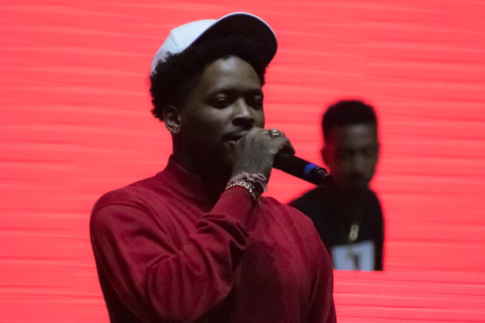 Taco brought out YG as a surprise guest.