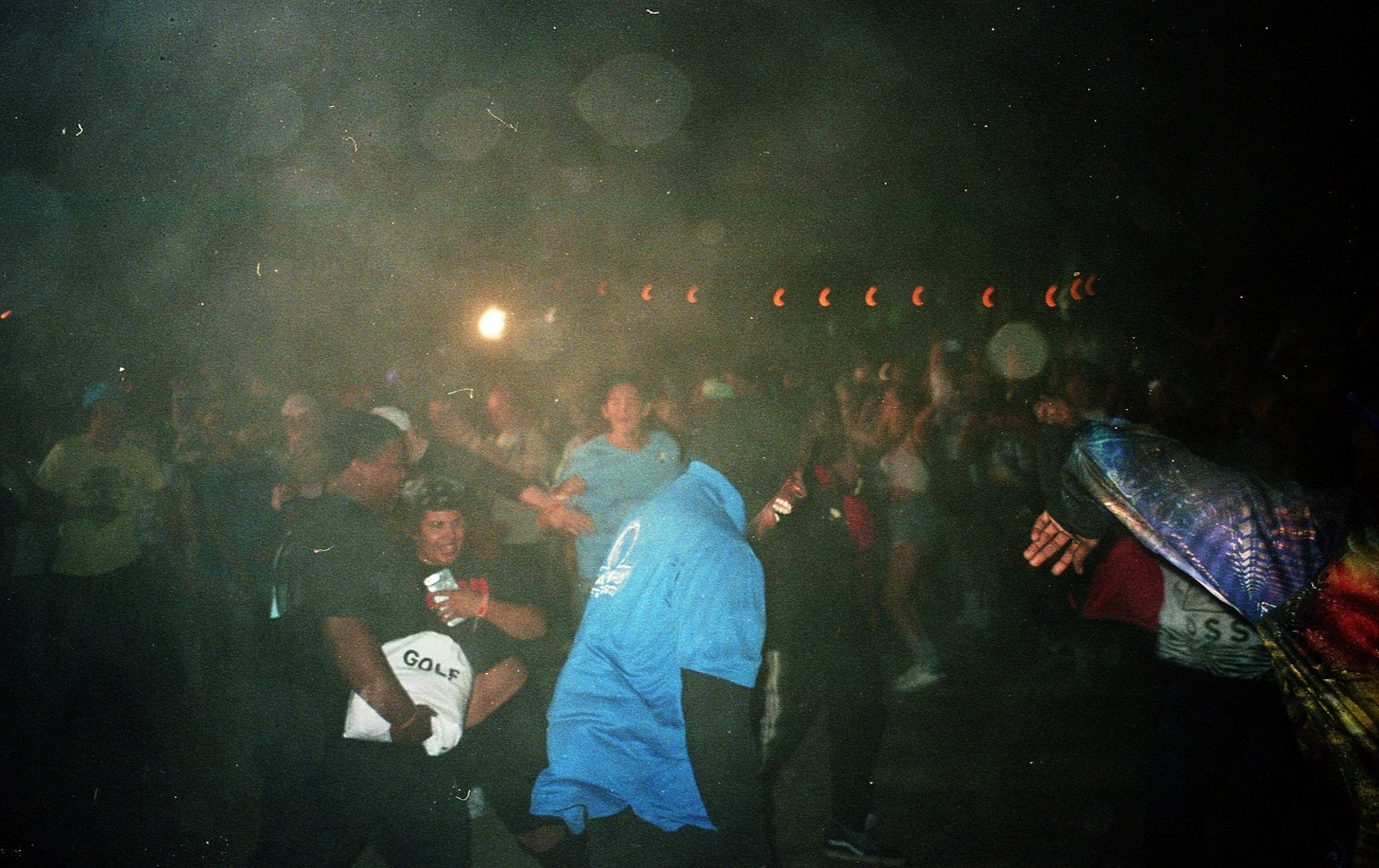 Even a security guard had to get in the mosh during 'iSpy'