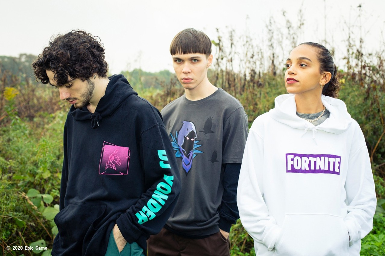 https3a2f2fhypebeast.com2fimage2f20192f122funiqlo-ut-fortnite-collaboration-collection-lookbook-08